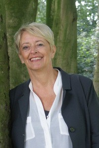 Mee in Afscheid, Mia Koelemeijer